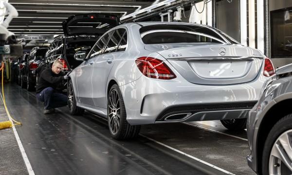 Mercedes - най-продаваните луксозни коли за 2016-а