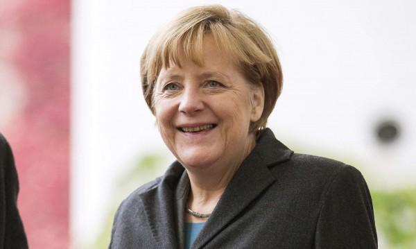 Вдигнаха заплатата на Меркел, скочи на ?18 хил.
