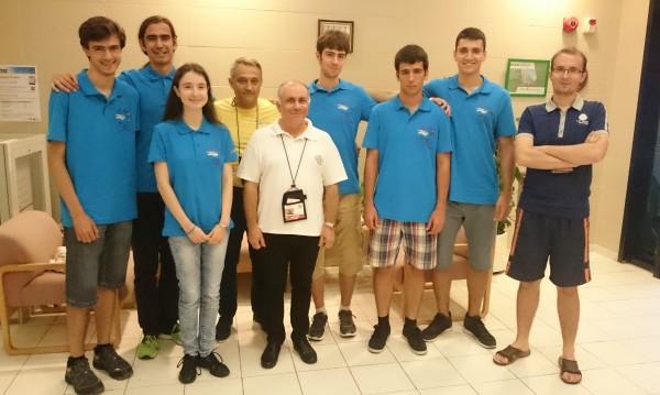 Наши олимпийци с 6 медала по математика в Хонконг