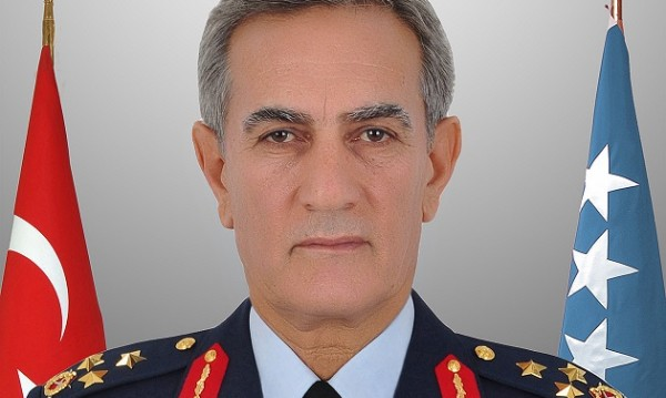 Основните лица зад преврата – бивш шеф на ВВС и зет му