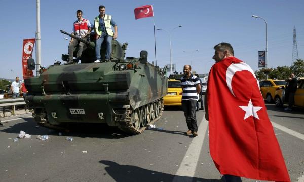 Летището в Истанбул се връща към нормалния си ритъм