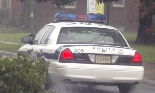 Мъж взе заложници в закусвалня в Балтимор