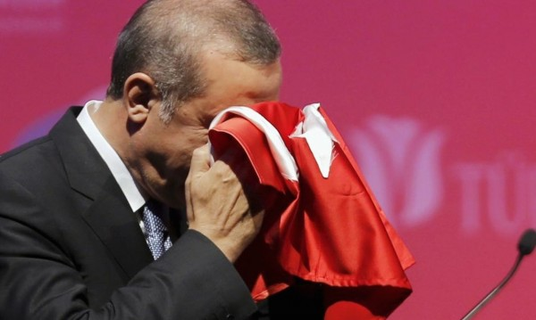 Ердоган в Гинес! Потушен преврат за миг