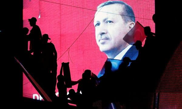 До второ нареждане: Турция отменя 3 милиона отпуски