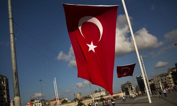 "Турция – ""люпилня"" на камикадзета и бурки"