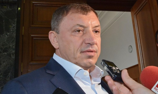 Държавата ще плаща на Алексей Петров, осъдил България