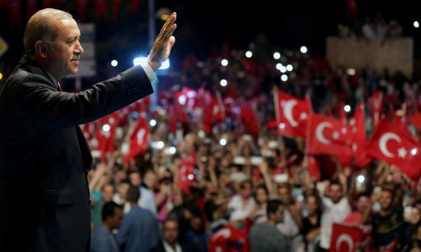 Ердоган се чувства велик и всемогъщ