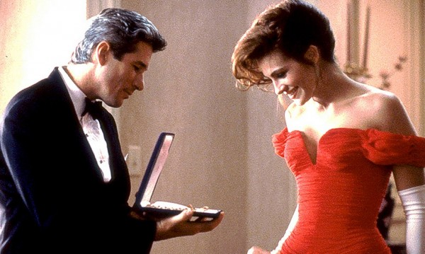 Знаете ли, че... огърлицата на хубавата жена е струвала $250 000?