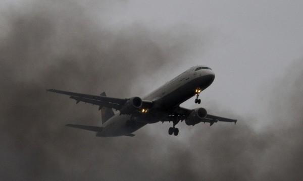 Севернокорейски самолет кацна принудително в Китай