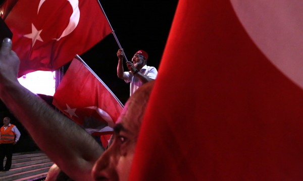 Турските власти уволниха 2400 военни