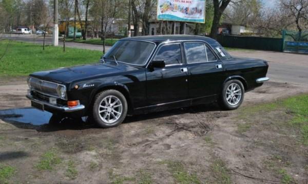 Уж съветска Волга, а то германско BMW