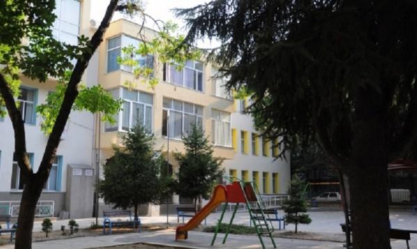 Какво вкара 21 деца в болница във Варна?