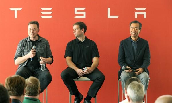 Tesla иска Gigafactory на всеки континент