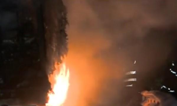 """Запалилият се на """"Тракия"""" ТИР карал яйца към Гърция"""