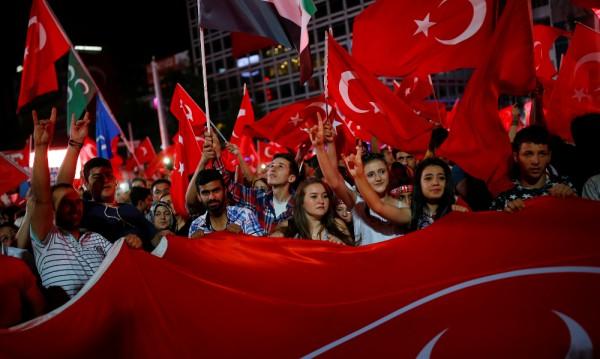 Чистката в Турция стигна и до Военномедицинската академия