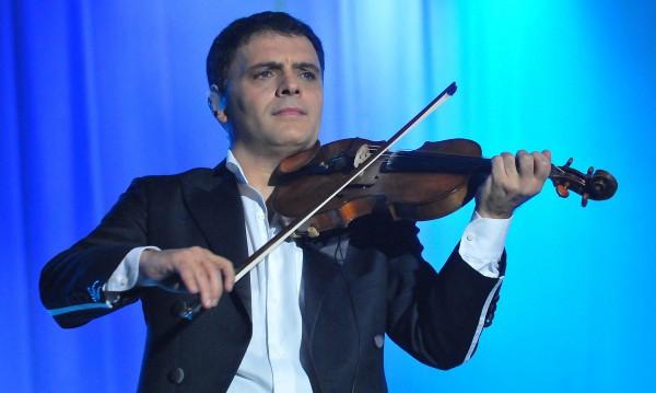 Васко Василев разпродаде два концерта от турнето