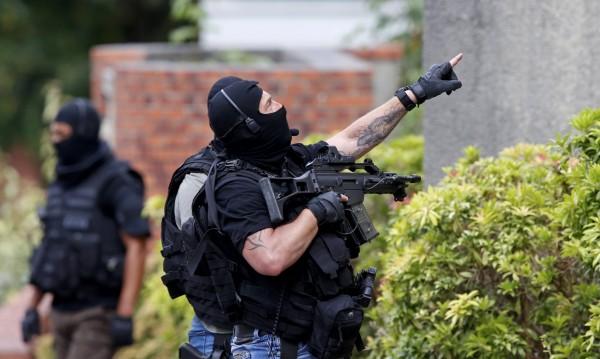 """Държат зетя на атентатора на """"Шарли ебдо"""" в следствието"""