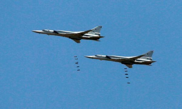 Руски самолети отново удариха ИД в Сирия