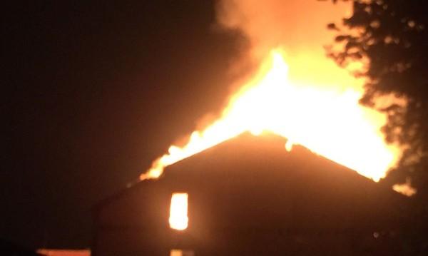 Овладян е пожарът в тютюневите складове в Пловдив