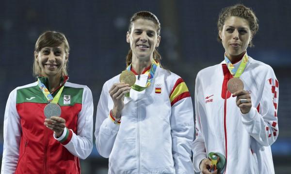 """Фойерверки в """"Герена"""": Детето ни е с медал!"""