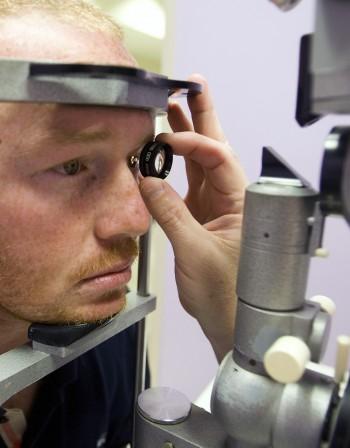 Зрението - как се променя с възрастта?
