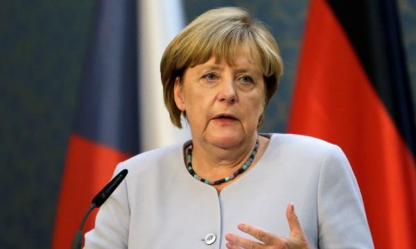 Половината германци вече не искат Меркел