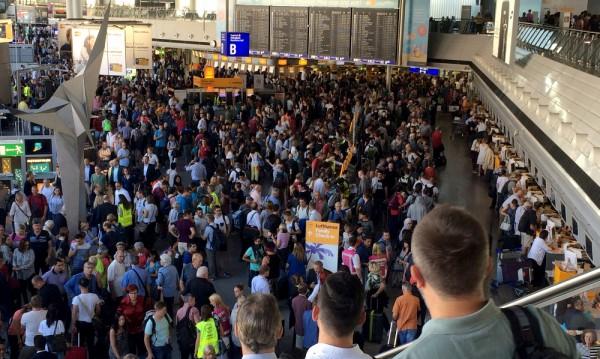 Летището във Франкфурт отново работи, няма заплаха за сигурността