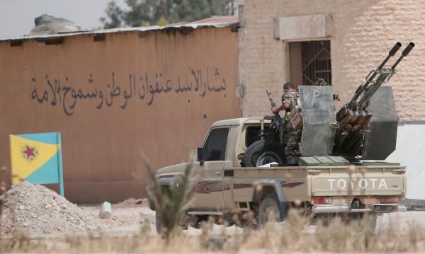 Политиката на САЩ в Сирия се крепи върху опасен разлом