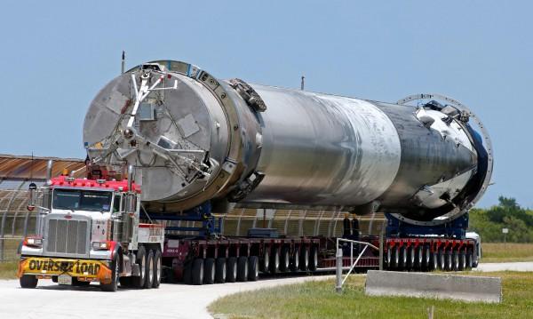 """Мощна експлозия разтресе космическия център """"Кенеди"""""""