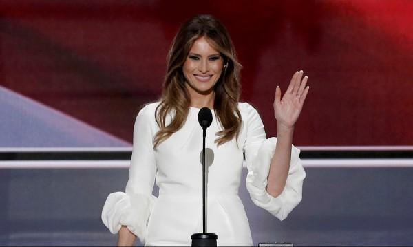 """Мелания Тръмп ще съди """"Дейли мейл"""" за клевета"""