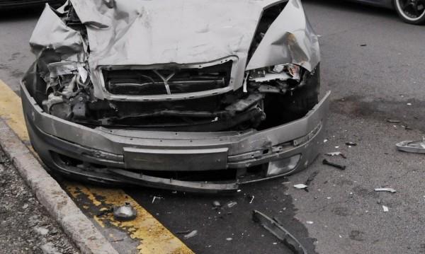 Жена загина при катастрофа край Симитли