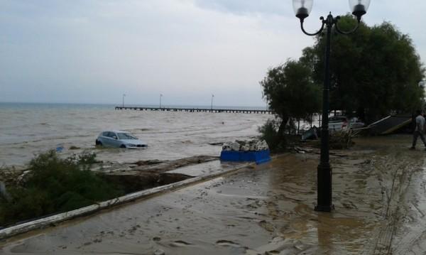 Наводнения взеха три жертви в Гърция