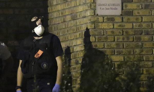 Задържаха три жени заради колата с бутилки газ в Париж
