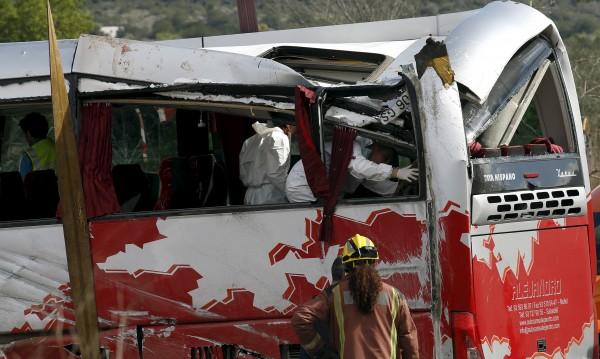 Десетки са ранените при катастрофата на автобус в Испания