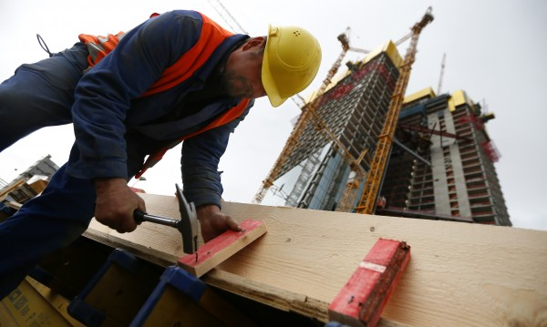 Безработицата спада и през август – до 8%