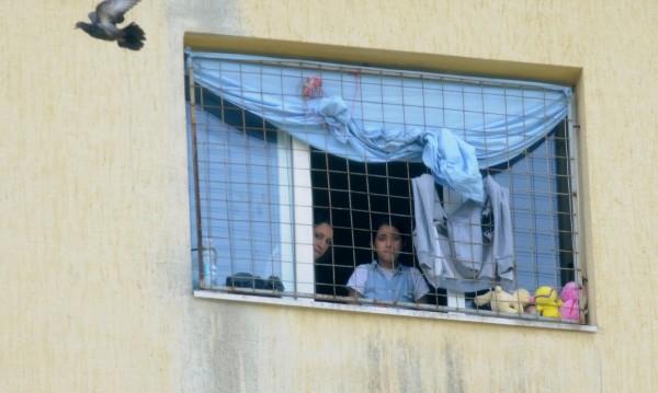 С парите от ЕК: Слагат катинар на лагера в Овча купел