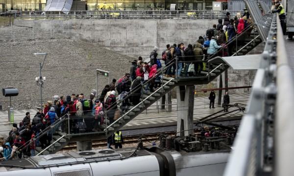 Швеция се готви да депортира още мигранти