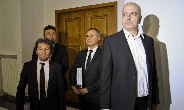 Слави твърд: Няма да подкрепя нито една партия
