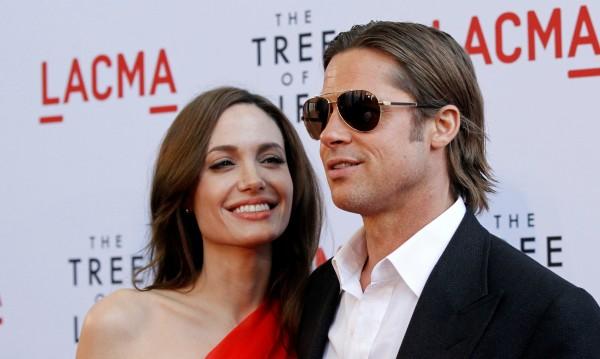 Холивуд страда за най-звездната си двойка