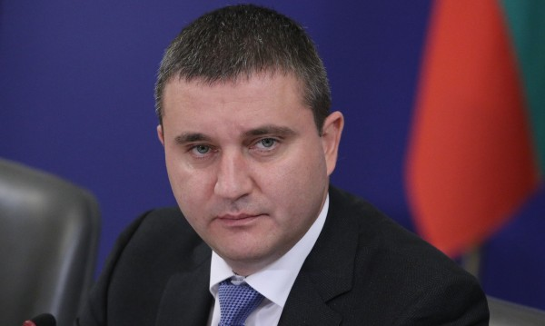 Горанов мисли още как да декларираме данъци на... починали