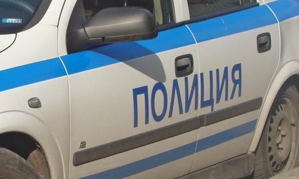 Братя нападнаха и раниха с нож мъж след свада