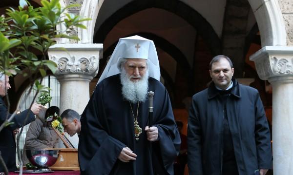 Отслужиха молебен за здравето на българския патриарх Неофит