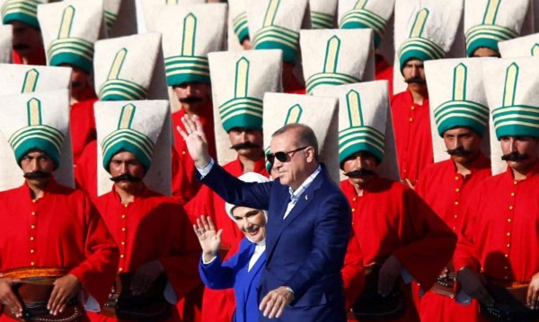 Има ли ислямска диктатура на юг от нас? Губи ли EС Турция?