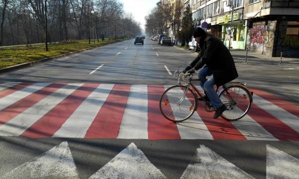 В НС: Пешеходната пътека – продължение на тротоара!