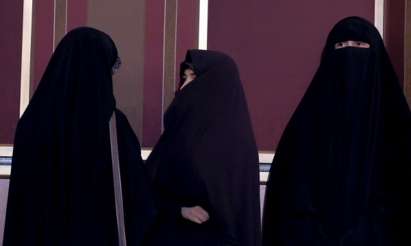 И още за бурките: 20 години внасяме ислям, службите – спят!