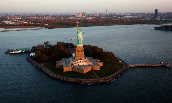 Кит забелязан до Статуята на свободата