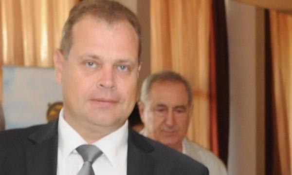 Шефът на АПИ Лазар Лазаров хвърли оставка