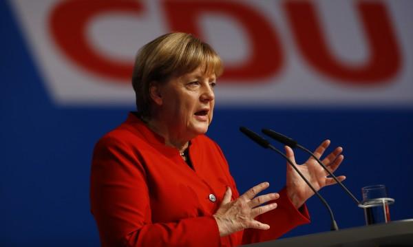 Меркел призова за забрана на бурките в Германия
