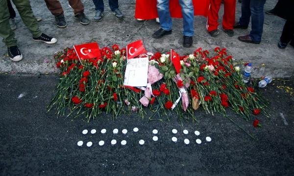 Растат жертвите на терора в Истанбул, вече са 39