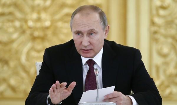 Как да отвърне Западът на водената от Путин информационна война?
